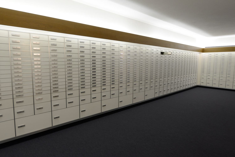 Im Innern des Tresorraums. 680 Fächer sind in die Wände eingelassen