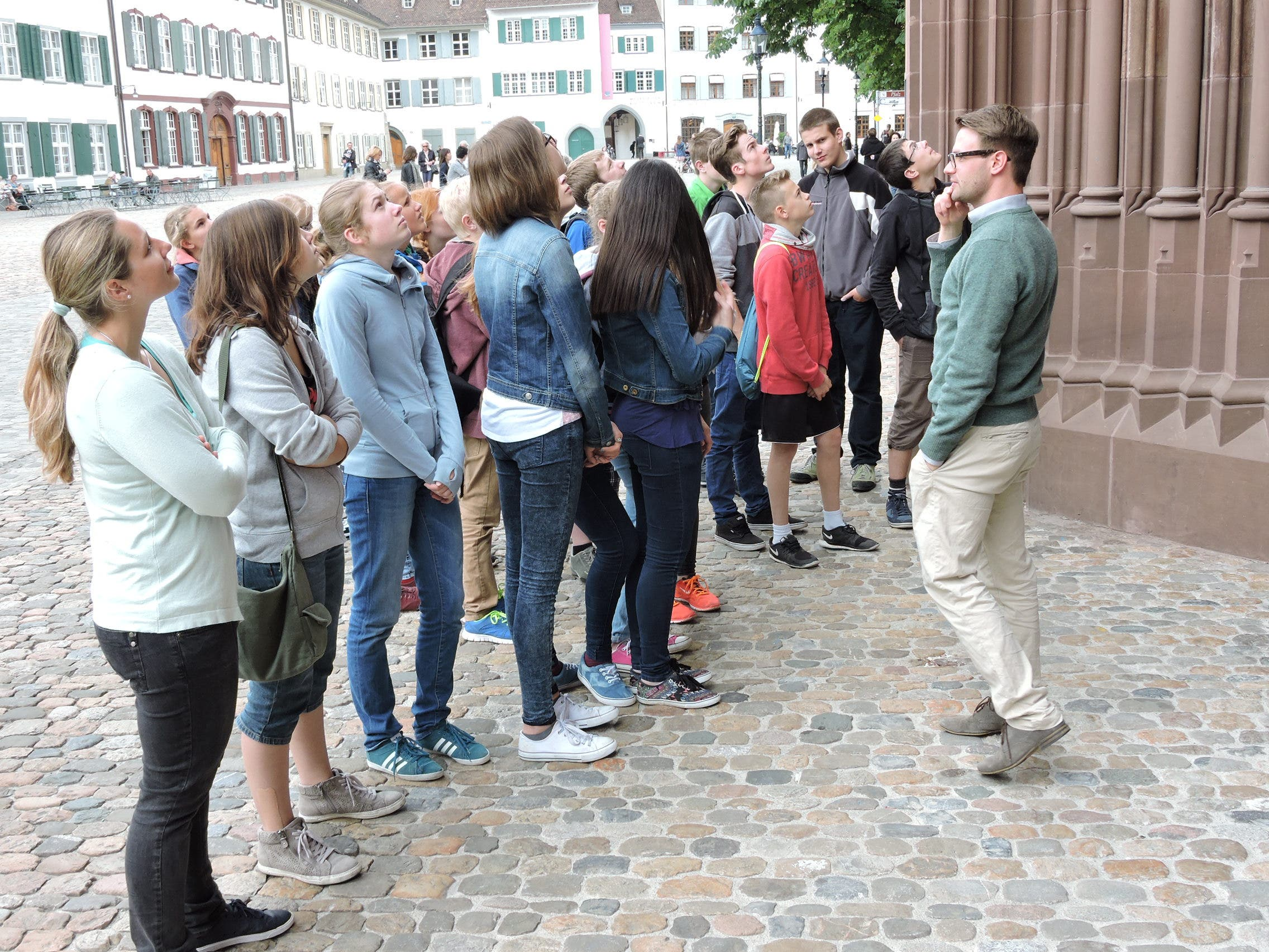 PräpWE2015_15.JPG Vor dem Basler Münster