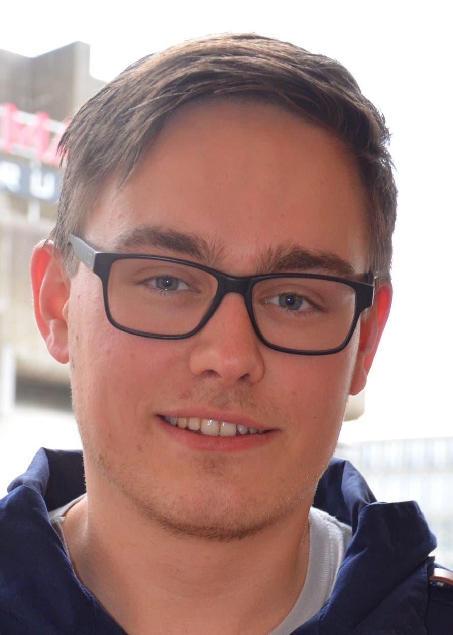 Valentin, 20, aus Windisch «Ein Ochsner Sport wäre super. Wichtig sind aber auch Attraktionen auf dem Neumarktplatz selber, damit es mehr leben würde.»