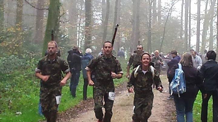 Die Waffenläufer feiern ihre Sieger in Oensingen