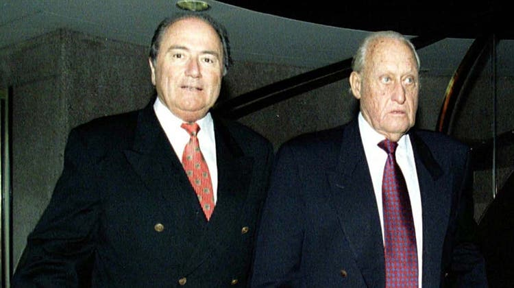 Am Anfang stand ein Rauswurf: Wie Sepp Blatter an die Macht kam