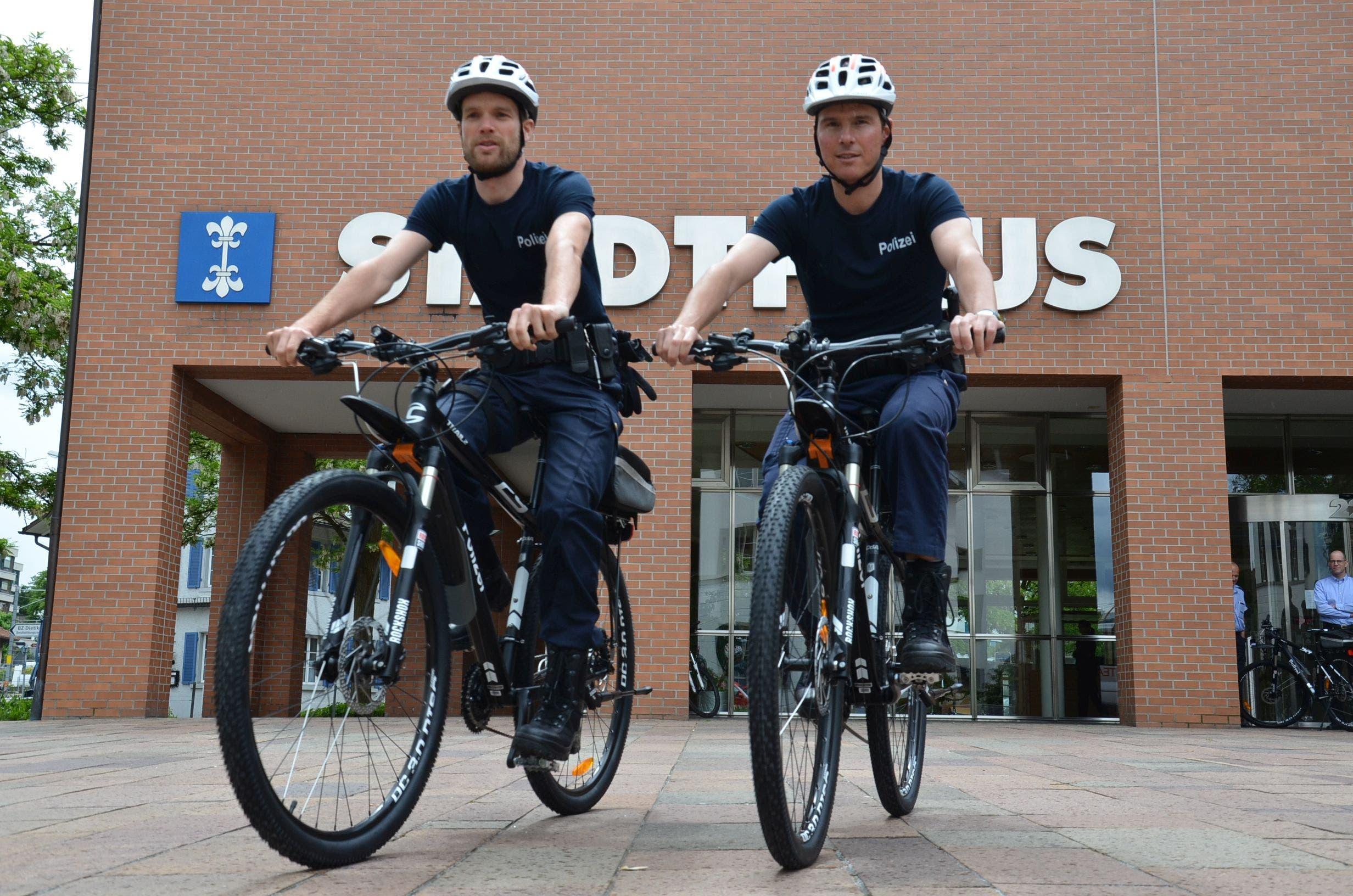 Das sind sie, die neuen Bikes der Stadtpolizei Dietikon