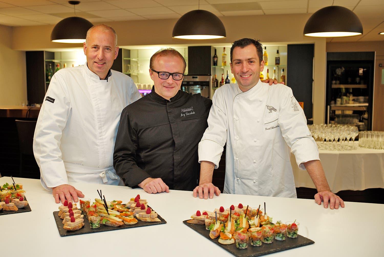Das ist trinationale kulinarische Zusammenarbeit: (von links) der Elsässer Hubert Maetz, Jörg Slaschek aus Solothurn und der Badener Daniel Fehrenbacher.