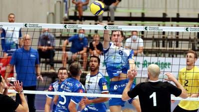 Nach 2016 unternimmt Volley Amriswil(blau) den zweiten Anlauf, sich erstmals in der Klubgeschichte für die Königsklasse der europäischen Klubwettbewerbe zu qualifizieren. Vor vier Jahren scheiterten die Thurgauer in der letzten Qualifikationsrunde am italienischen Spitzenteam Perugia. (Mario Gaccioli)