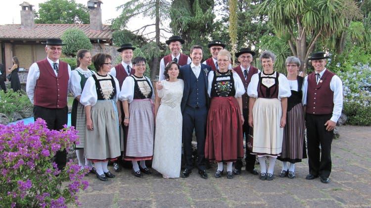 Trachtentanzgruppe Thal an einer Hochzeit in Sardinien