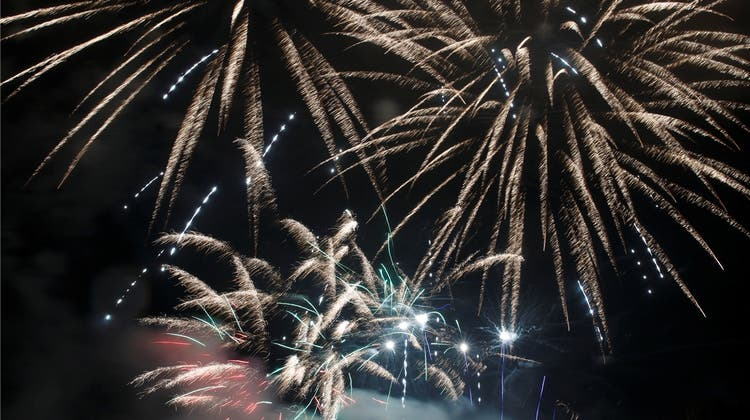 Mit dem Feuerwerk-Spektakel nehmen wir verpestete Luft in Kauf