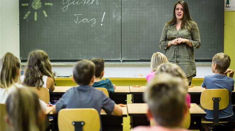Zugesprochene Lehrerstellen werden den Schulen noch vorenthalten