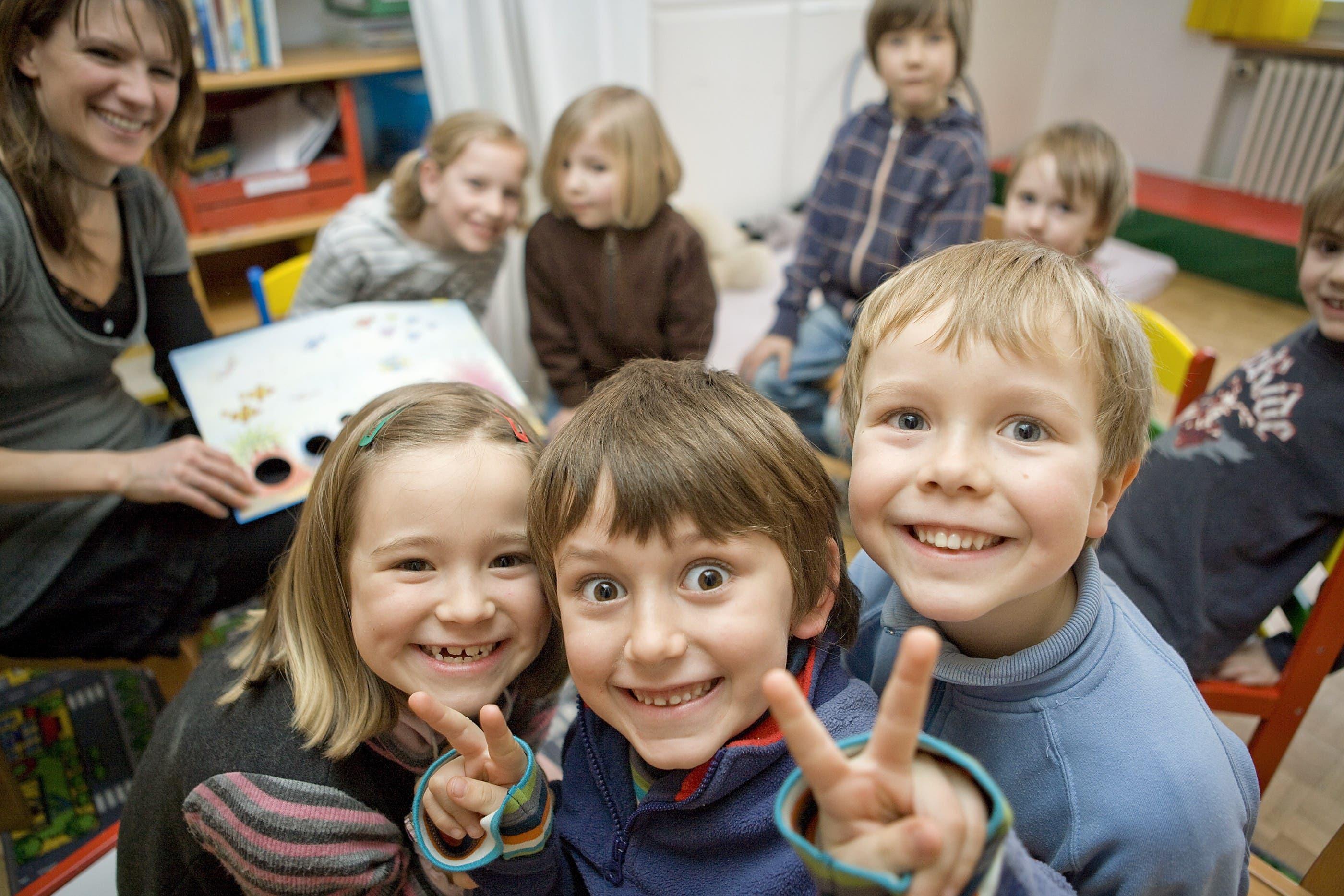 """Kinder Kita Kinder-Ländli Muhen """"Kinder-Ländli"""" – ein Ort der Geborgenheit, des Entdeckens und der Begegnung für Kinder."""