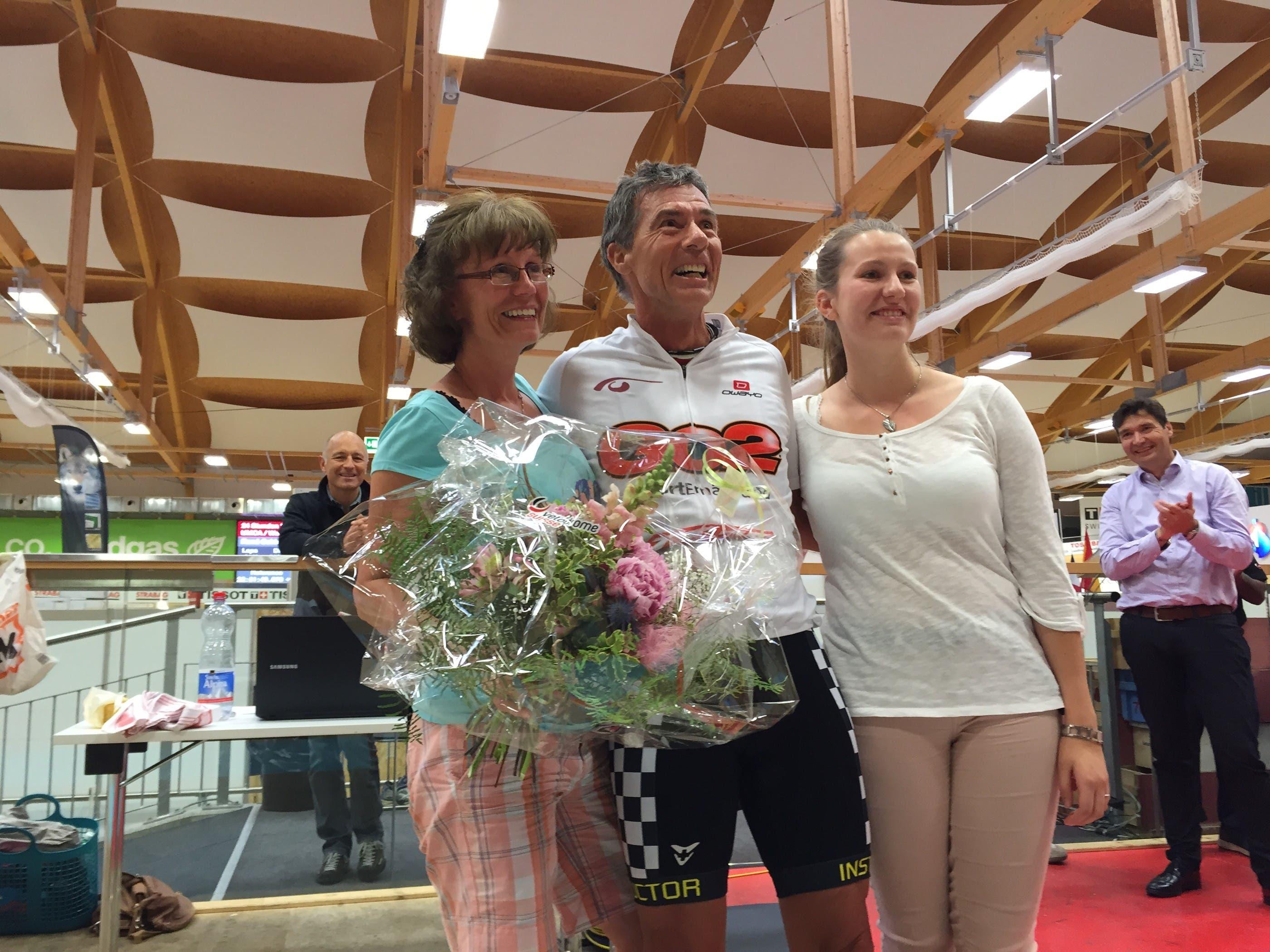 René Schiegg mit seiner Frau und seiner Tochter