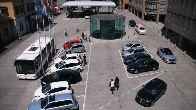 Auto-Rowdies ärgern Anwohner an der Badener Bahnhofstrasse