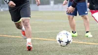 Nach dem Vorfall weigerte sich der FC Rotkreuz, weiterzuspielen. (Symbolbild: LZ)