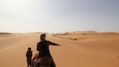 Marktschreier und Stille im Wüstenland