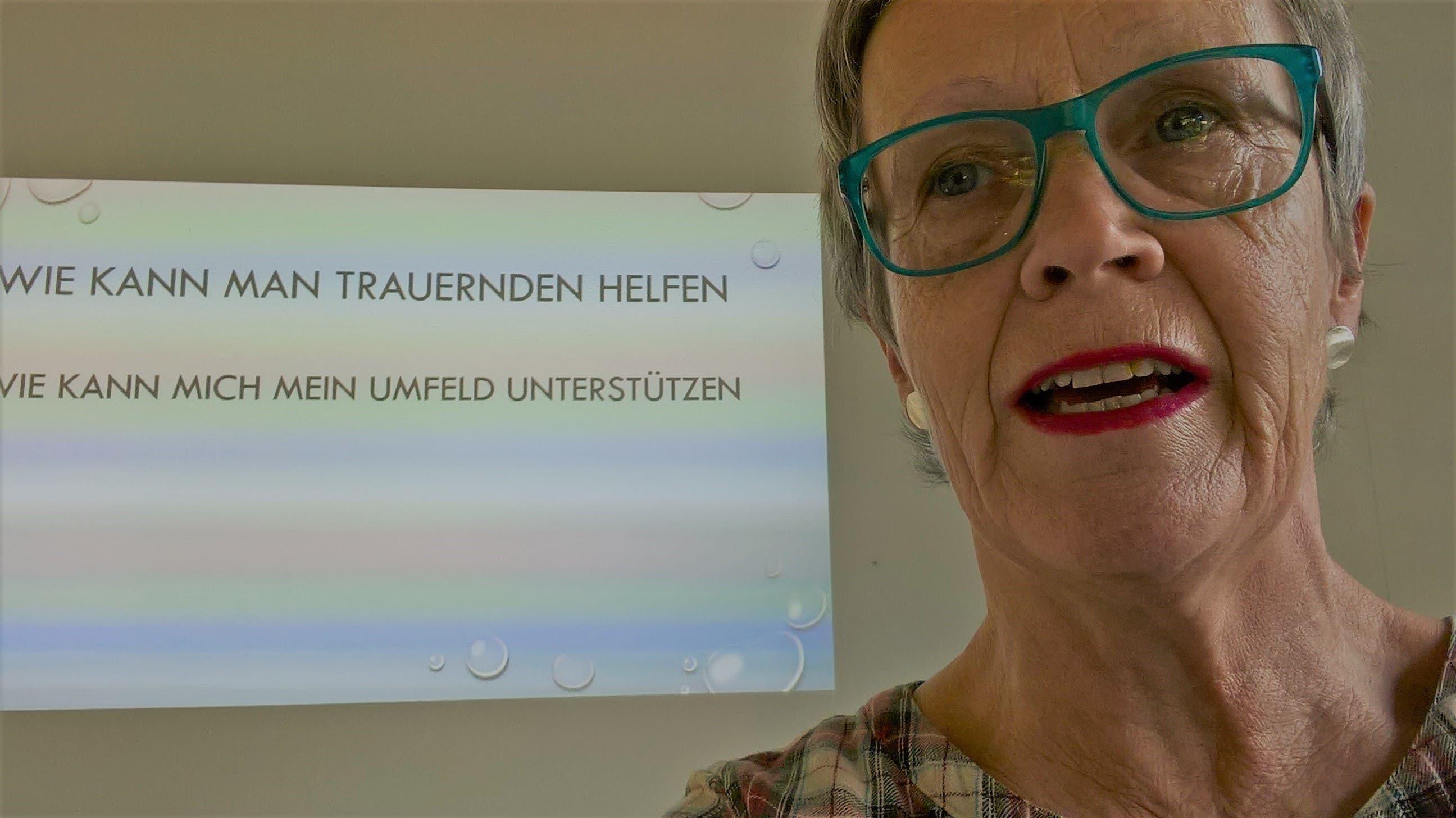 Ulrike Kägi beim Vortrag