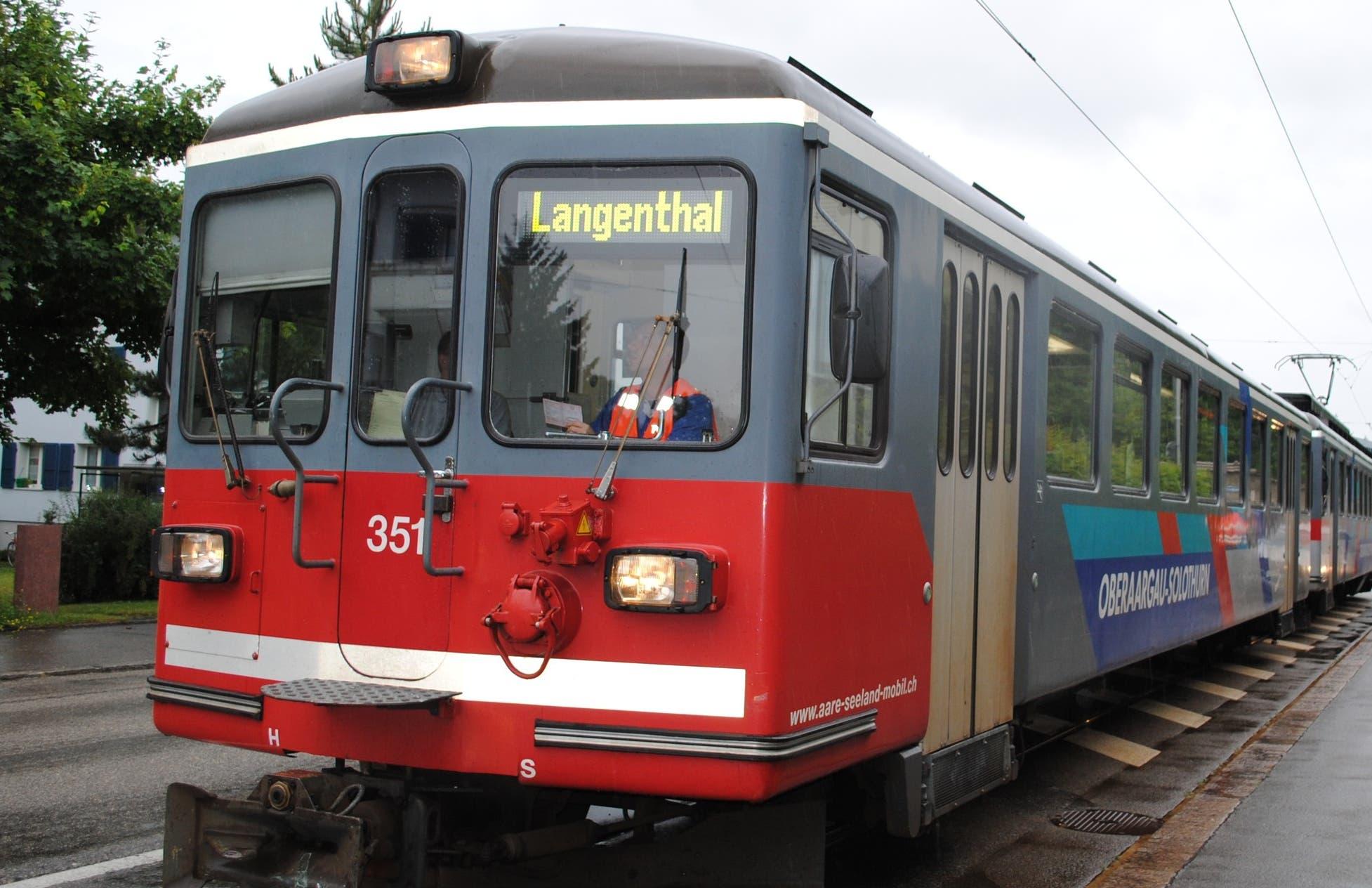 Juni 2011 Das Bipperlisi ist vom Hauptbahnhof in Richtung Riedholz unterwegs, als es beim Überqueren des Kreisverkehrs einen weissen Lieferwagen seitlich erfasst.