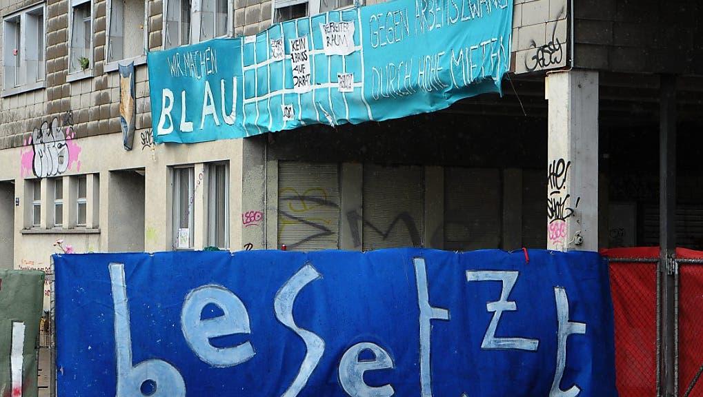 """""""Zynischer Aprilscherz"""", """"Vertreibung aus dem Quartier"""": Stadt gerät in Kritikhagel"""
