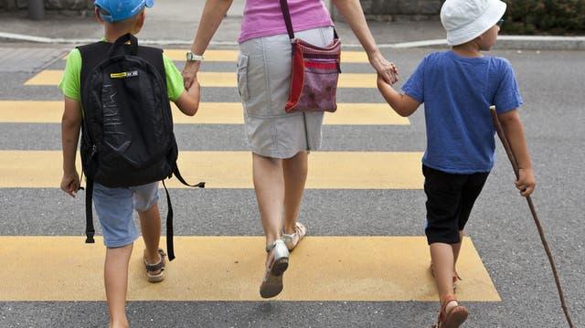Mutterschaft ist verantwortlich für Knick in Lohnentwicklung der Frauen