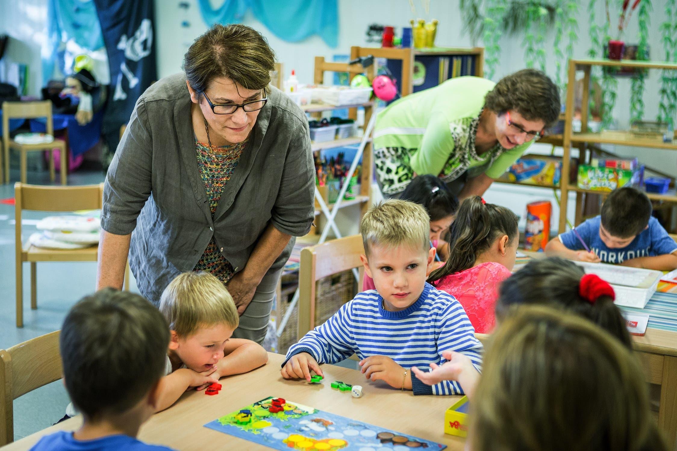 Impressionen vom Politiker-Besuch im Lenzburger Kindergarten Fünflinden