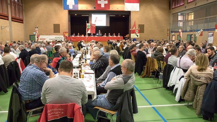 Kredit und Ehrungen prägen die Versammlung des Solothurner Schiesssportverbandes