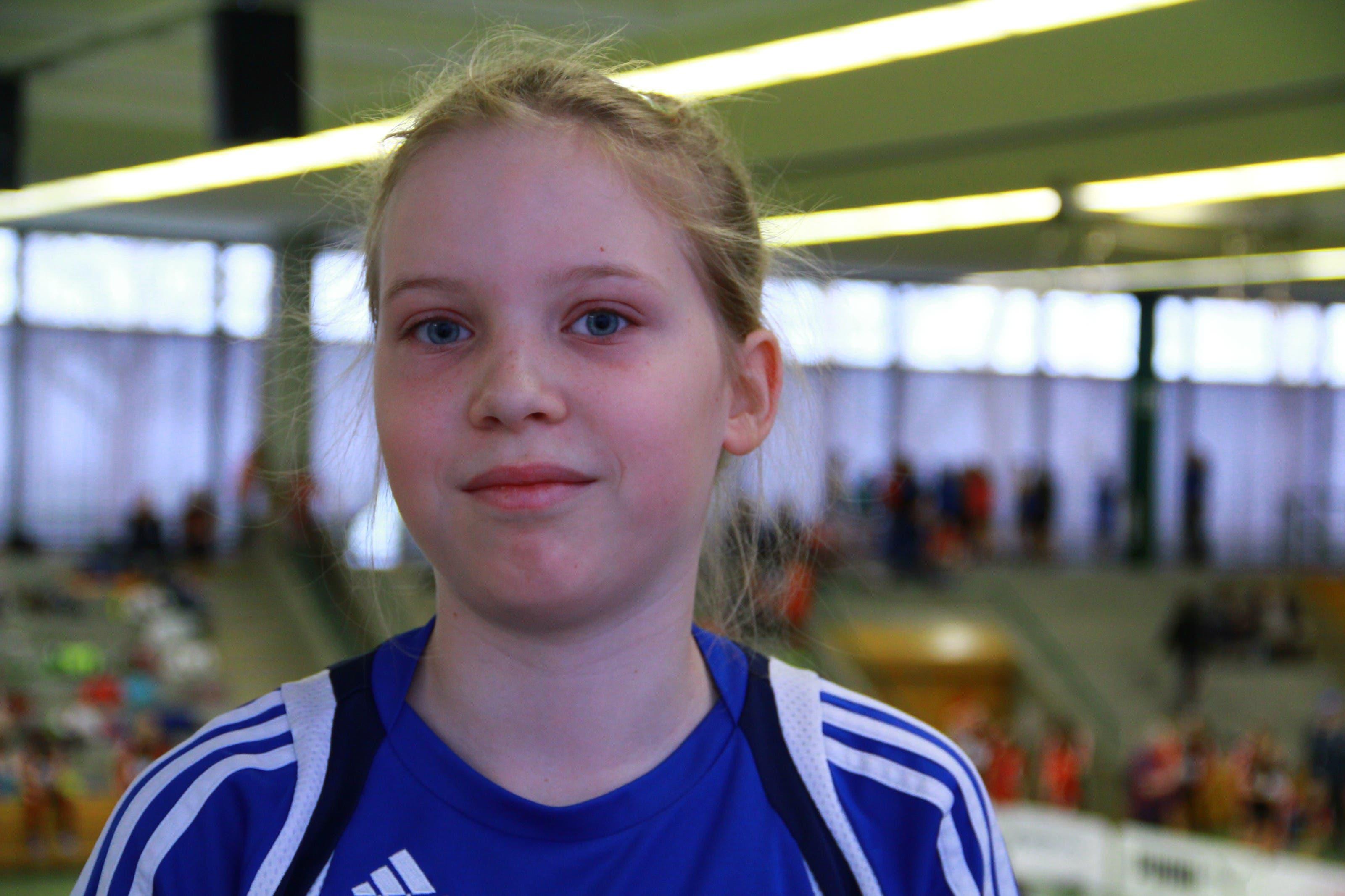Hannah Häner (10) Fehren «Ich mag den Biathlon besonders. Der ist abwechslungsreich, da er viele Disziplinen vereint. Wir sind als Mädchenteam angereist. Einmal die Woche trainieren wir beim LZ Thierstein. Nicht so begabt bin ich im Weitsprung – nächstes Jahr bin ich sicher besser.»