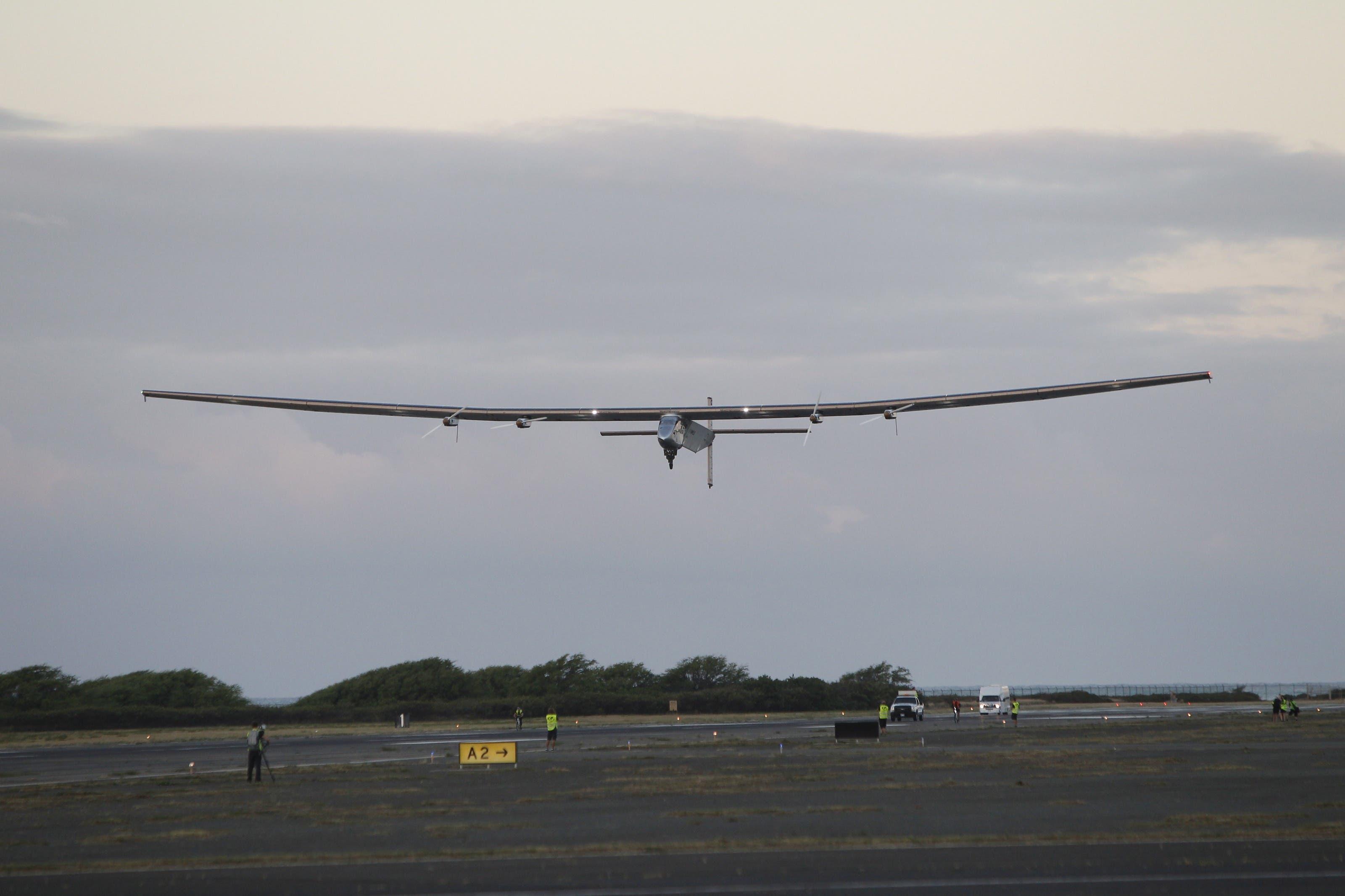 Solar Impulse 2 ist wieder in der Luft