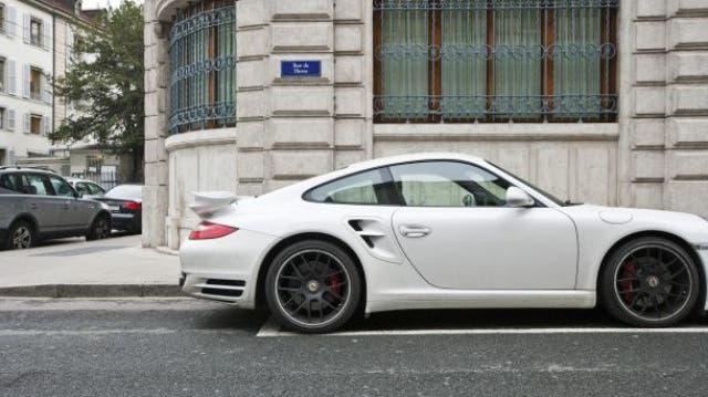 Porsche ist gut unterwegs