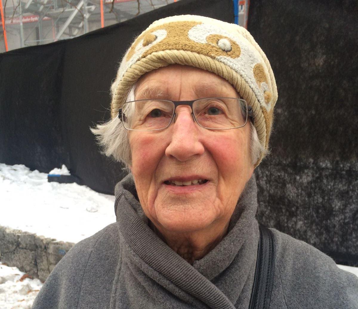 Ida Frank, 89, Olten: «Nein, mich stört die Kälte nicht, da ich mich auch immer warm genug kleide. Das Glatteis ist natürlich etwas kritisch, allerdings bin ich meist nachmittags draussen, da ist man schon ein bisschen sicherer unterwegs als am frühen Morgen. Ausserdem glaube ich, dass es der Natur gut tut.»