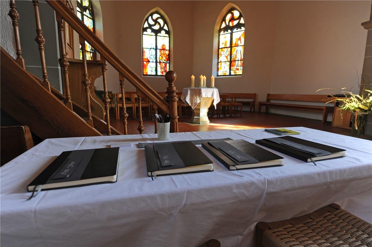 In der Kirche Brittnau sind vier Kondolenzbücher aufgelegt. ran