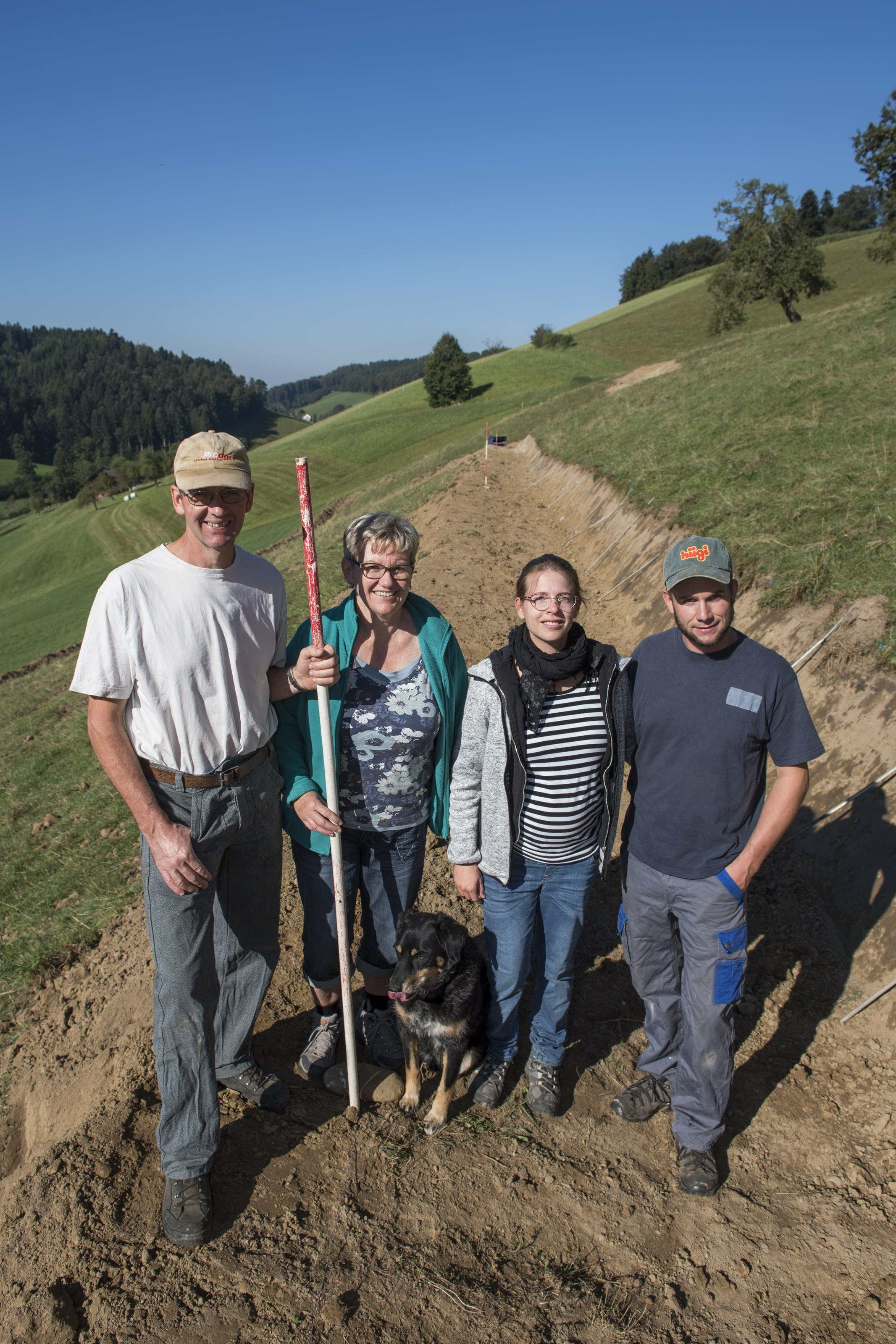 Familie Müller auf ihrem 50 Aren grossen Rebberg-Standort in Wiliberg