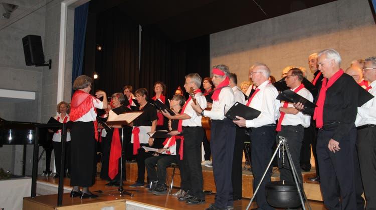 Der Gemischte Chor Dättwil beeindruckte mit feurigen Zigeunerliedern