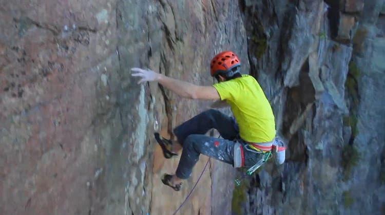 Was passiert eigentlich, wenn ein Freeclimber den Halt verliert?