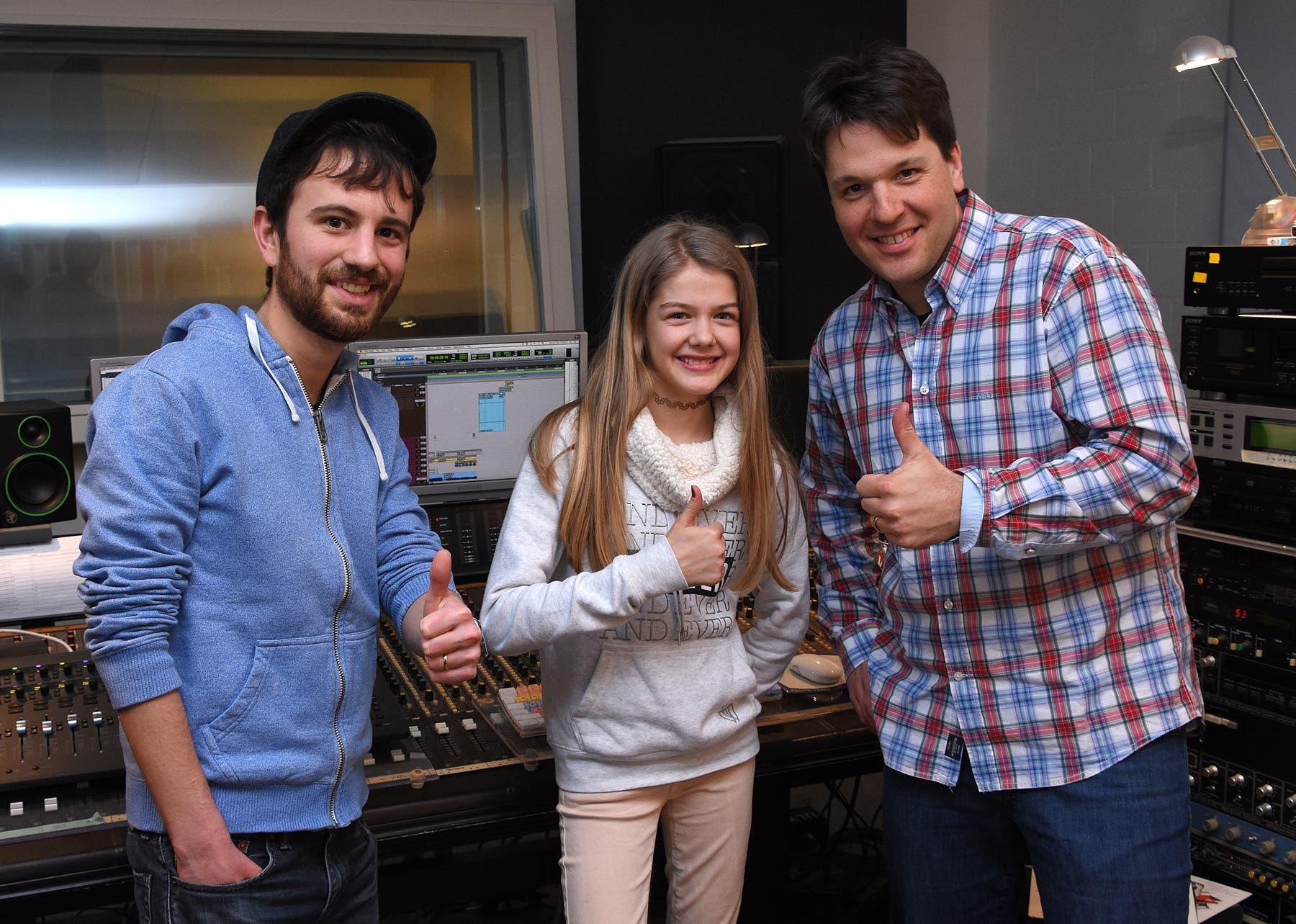 Im Studio in Zuchwil: Radio32-Moderator Lüdi, Julia Jeker und Michael Vescovi