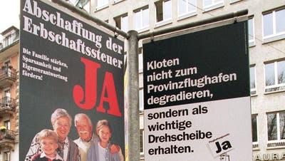 Abstimmungsplakat in Zürich im Jahr 1999: Die Abschaffung der Erbschaftssteuer im Nachbarkanton gab den Anstoss für deren Aufhebung auch im Thurgau. (Bild: Keystone)
