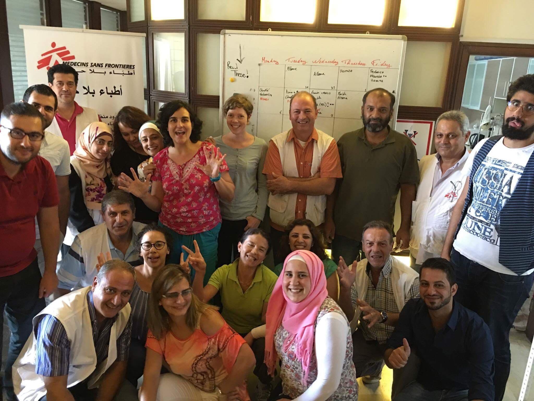 Mirjam Markwalder (Mitte, pinkes Shirt) mit ihrem Team