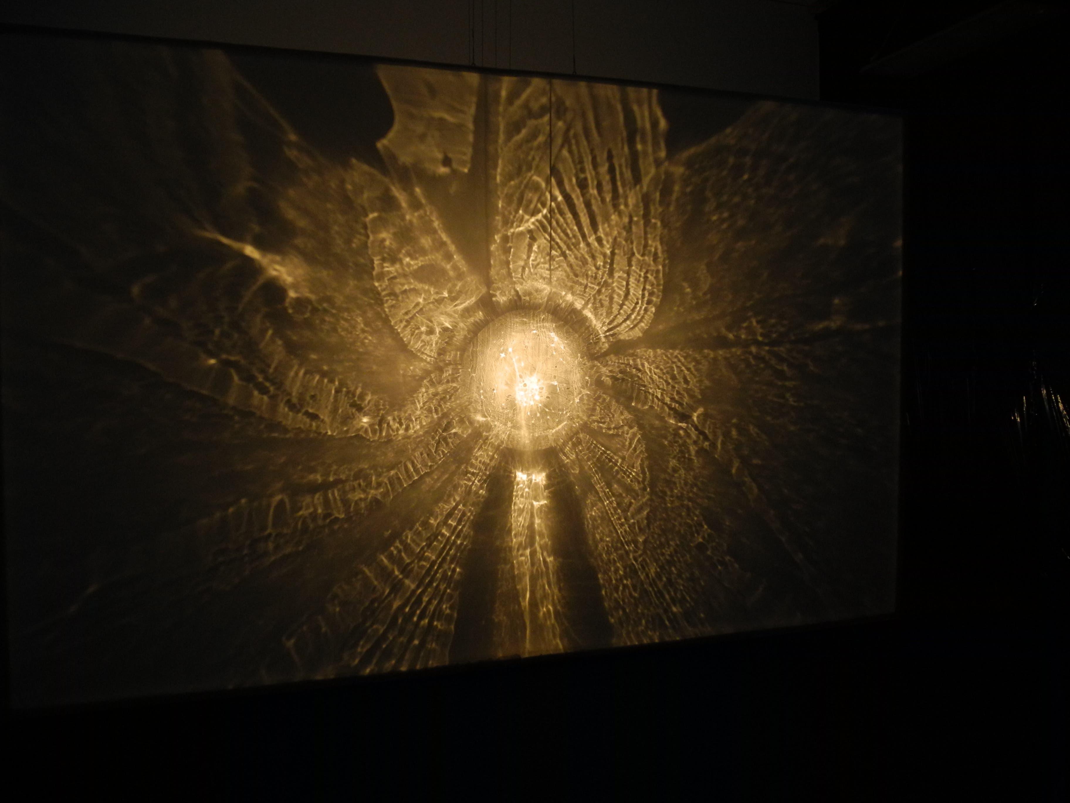 «Das sichtbare Unsichtbare: Licht, Schatten, Eis, Wasser» von Tomas Ribas.