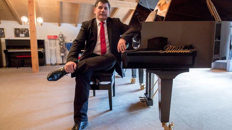 Grenchner Klavierbauer ist im siebten Klavierhimmel