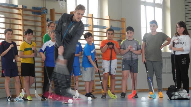 Dietiker Schüler trainieren mit dem Weltmeister