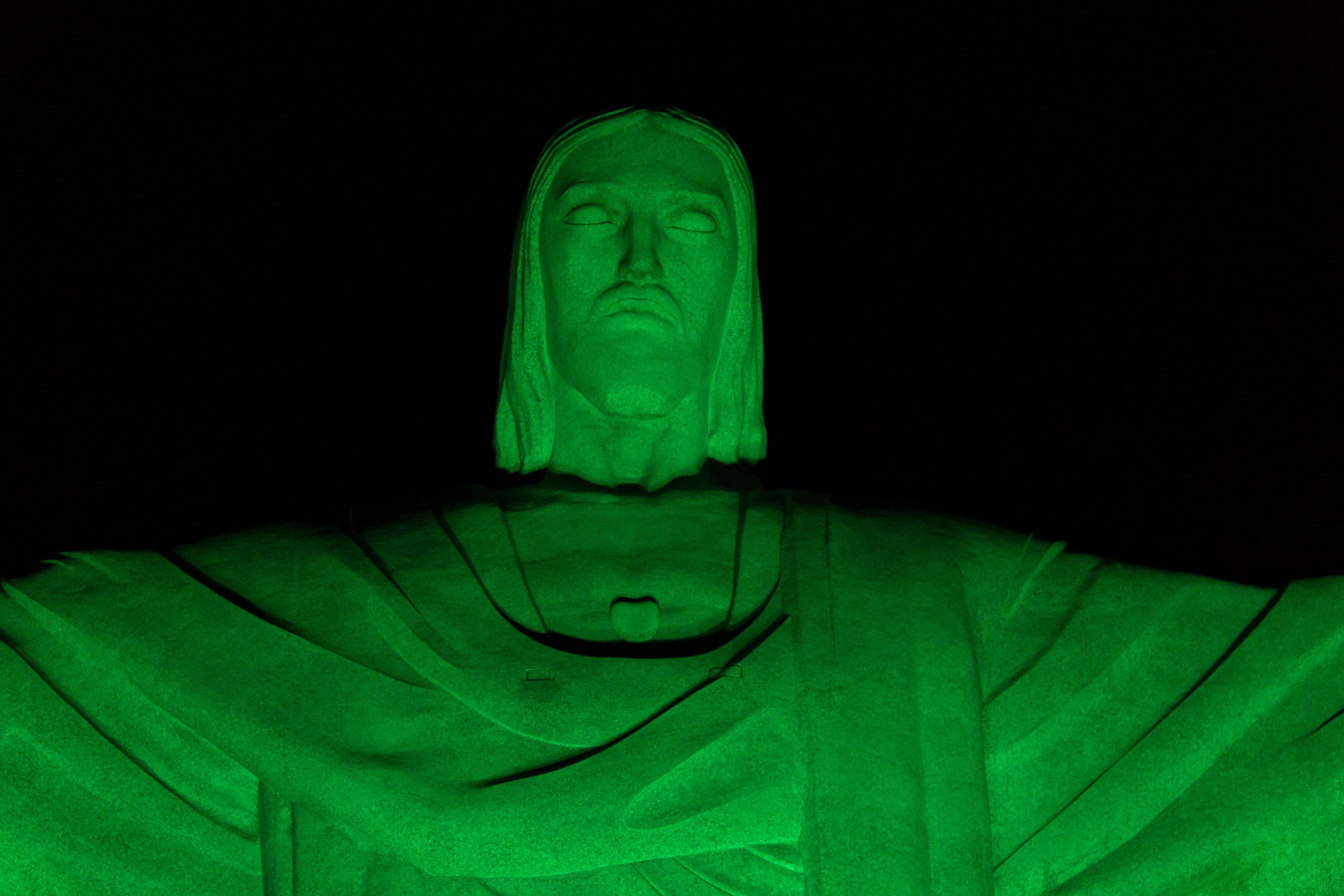 Rio de Janeiro Die Christus-Statue in Rio de Janeiro leuchtete bereits am Donnerstag grün auf.