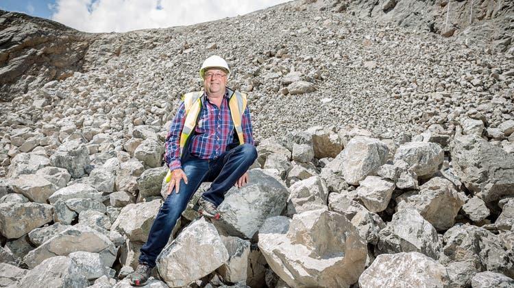 Dieser Mann hat Geschichte geschrieben – er kroch als Erster durchs Loch