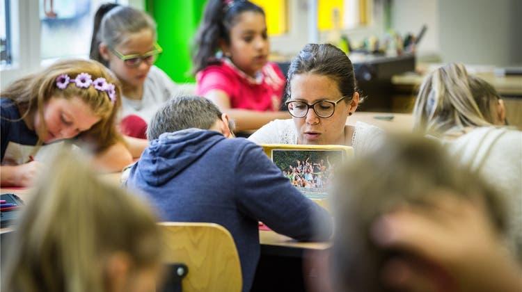 Freiwillige Schulsynode kämpft für mehr Freiheit bei den Wahlplichtfächern