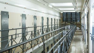 Zu gefährlich: Prostituierten-Killer von Egliswil bleibt hinter Gitter