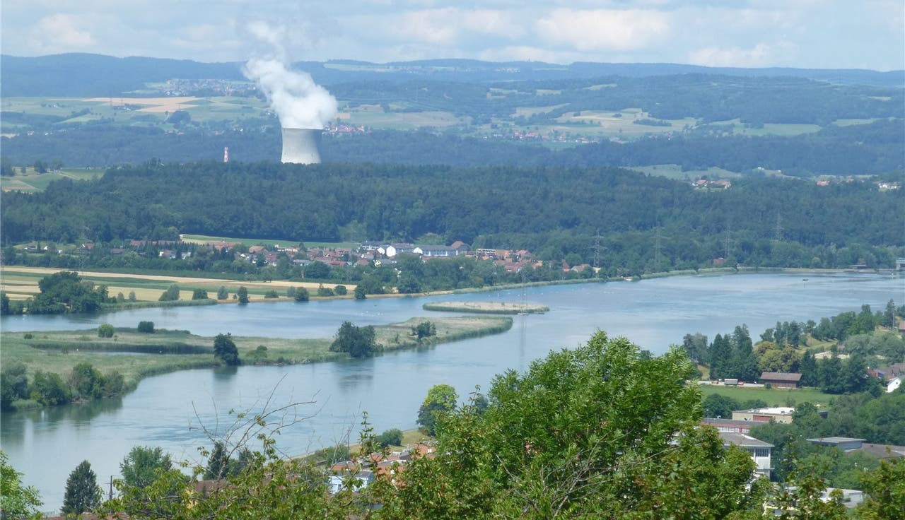 Der Blick über den Klingnauer Stausee von Döttingen her.