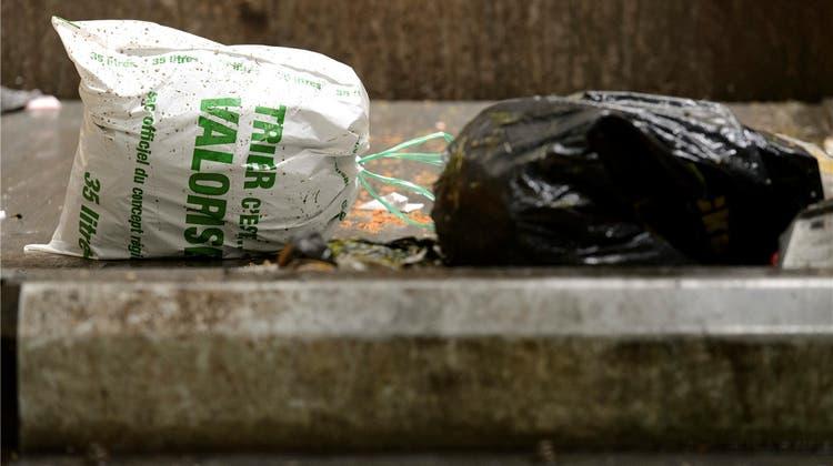 Den 120 welschen Abfall-Revoluzzern gehts jetzt an die Säcke