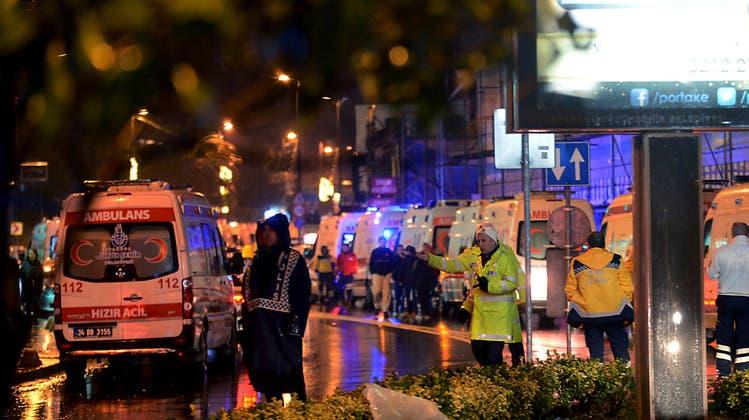 Dutzende Tote bei Angriff auf Silvesterfeier in Istanbuler Club
