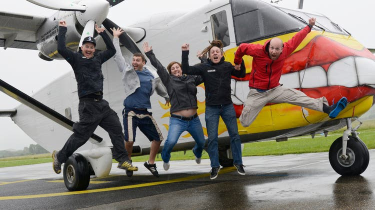 Die Fallschirmspringer warten auf besseres Wetter