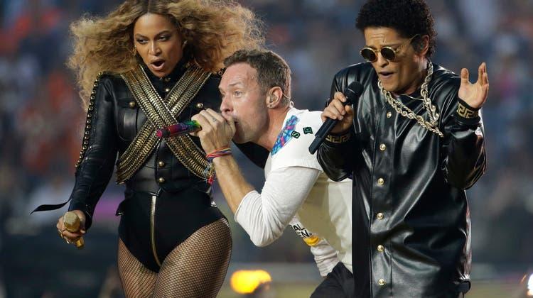 Coldplay, Beyoncé und Mars bei Super-Bowl-Halbzeitshow gefeiert