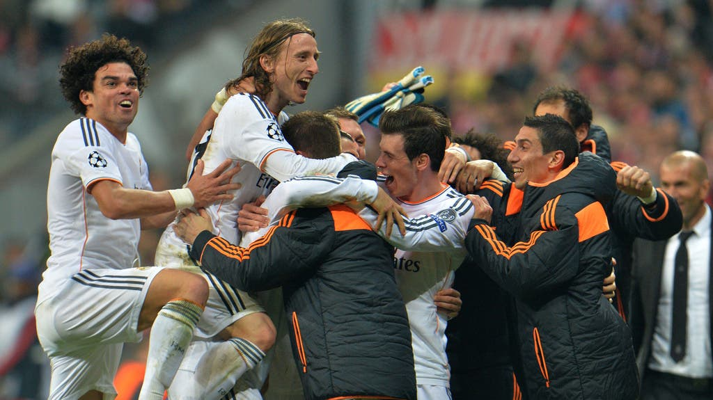 Die Königlichen bejubeln den Triumph über die Münchner.