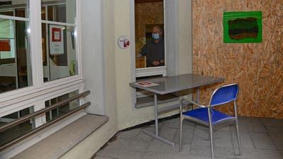 Corona-Infektionen im Alpnacher Alterszentrum Allmend. Ein besorgter Heimleiter Hansjakob Schmid gibt Auskunft. Die Türen bleiben für Besuchende bis auf weiteres geschlossen. (Bild: Robert Hess(Alpnach, 5. Oktober 2020))