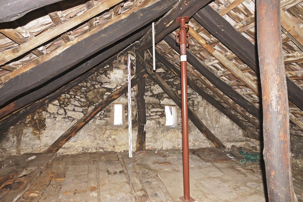 Ein Blick in den Dachstock von 1418.