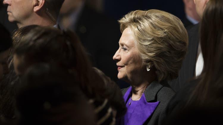 Schweizer Politikerinnen fürchten nach Clintons Niederlage um feministische Fortschritte