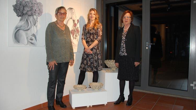 Drei Frauen stellen gemeinsam im NäijereHuus aus